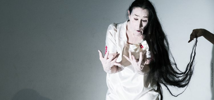 """Ghost Bodies"" – Embodying the Spirit – seminario di Danza Butoh con Joan Laage"